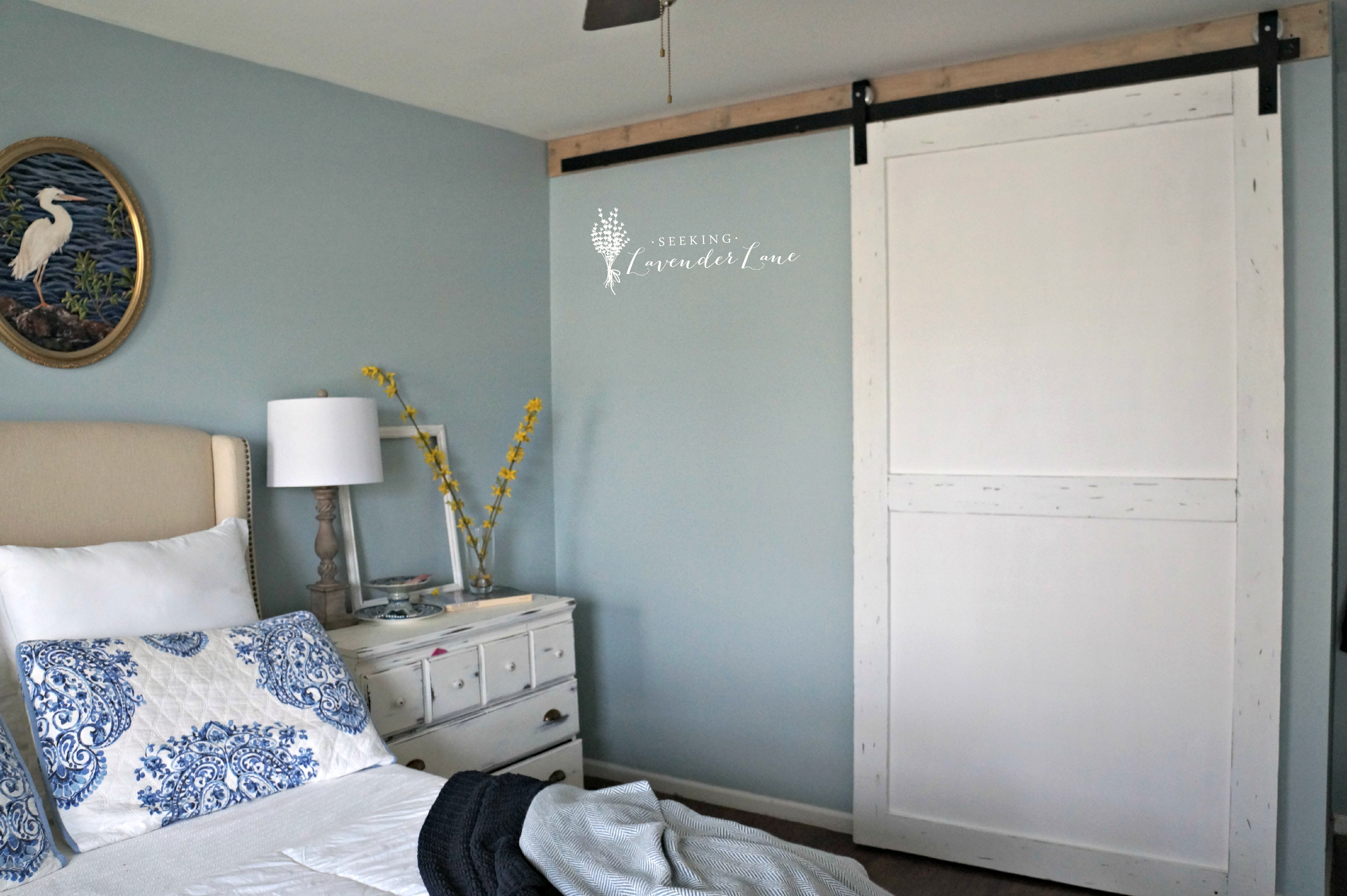 Bedroom closet barn door diy for Bedroom closet barn doors