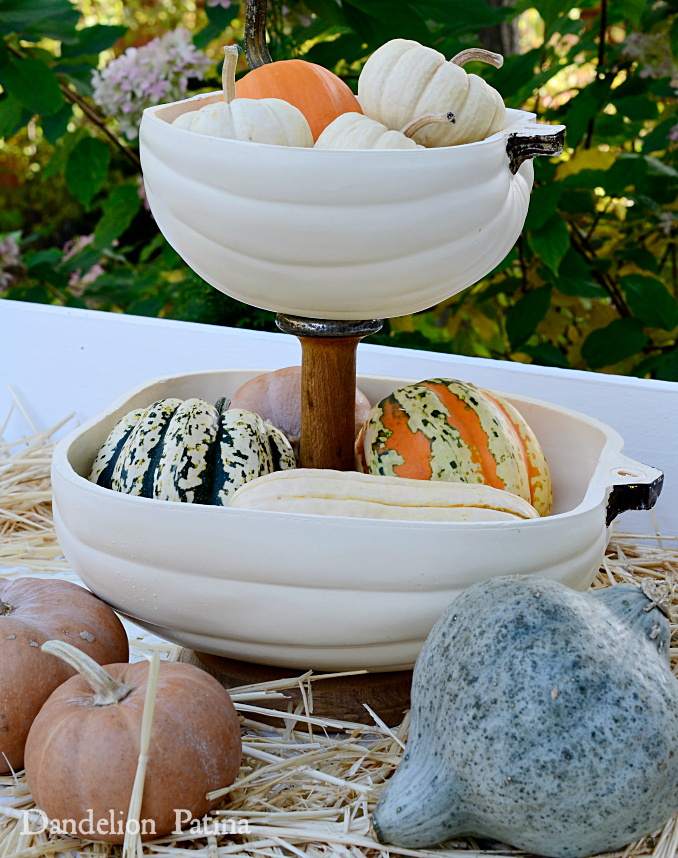 farmhouse-style-pumpkin-tiered-tray