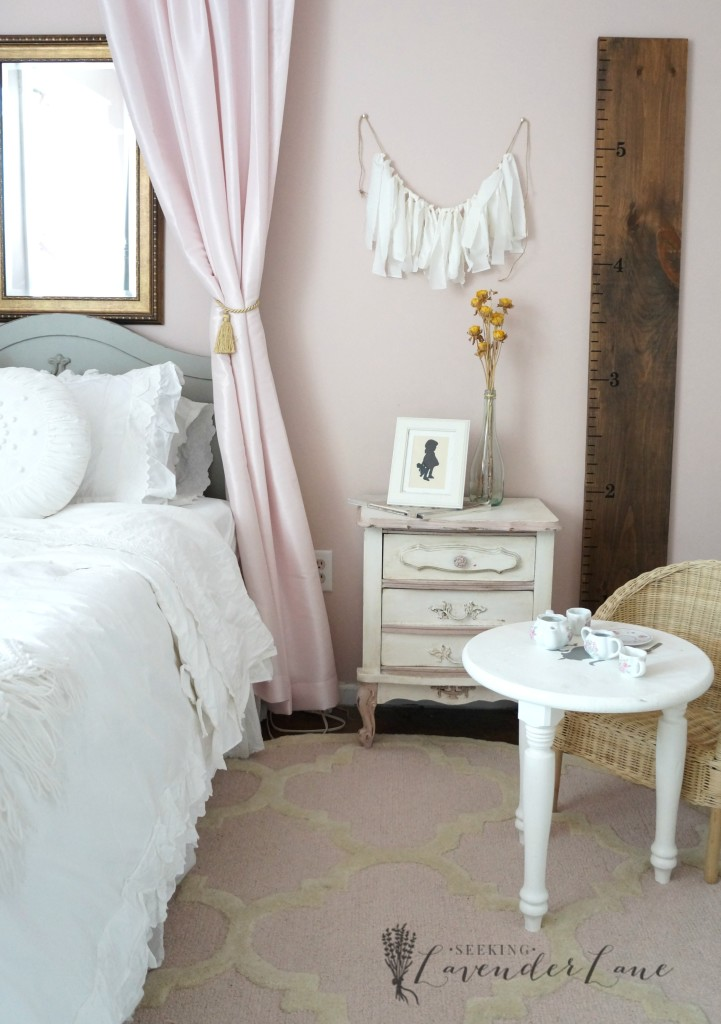 pink vintage girls room 5