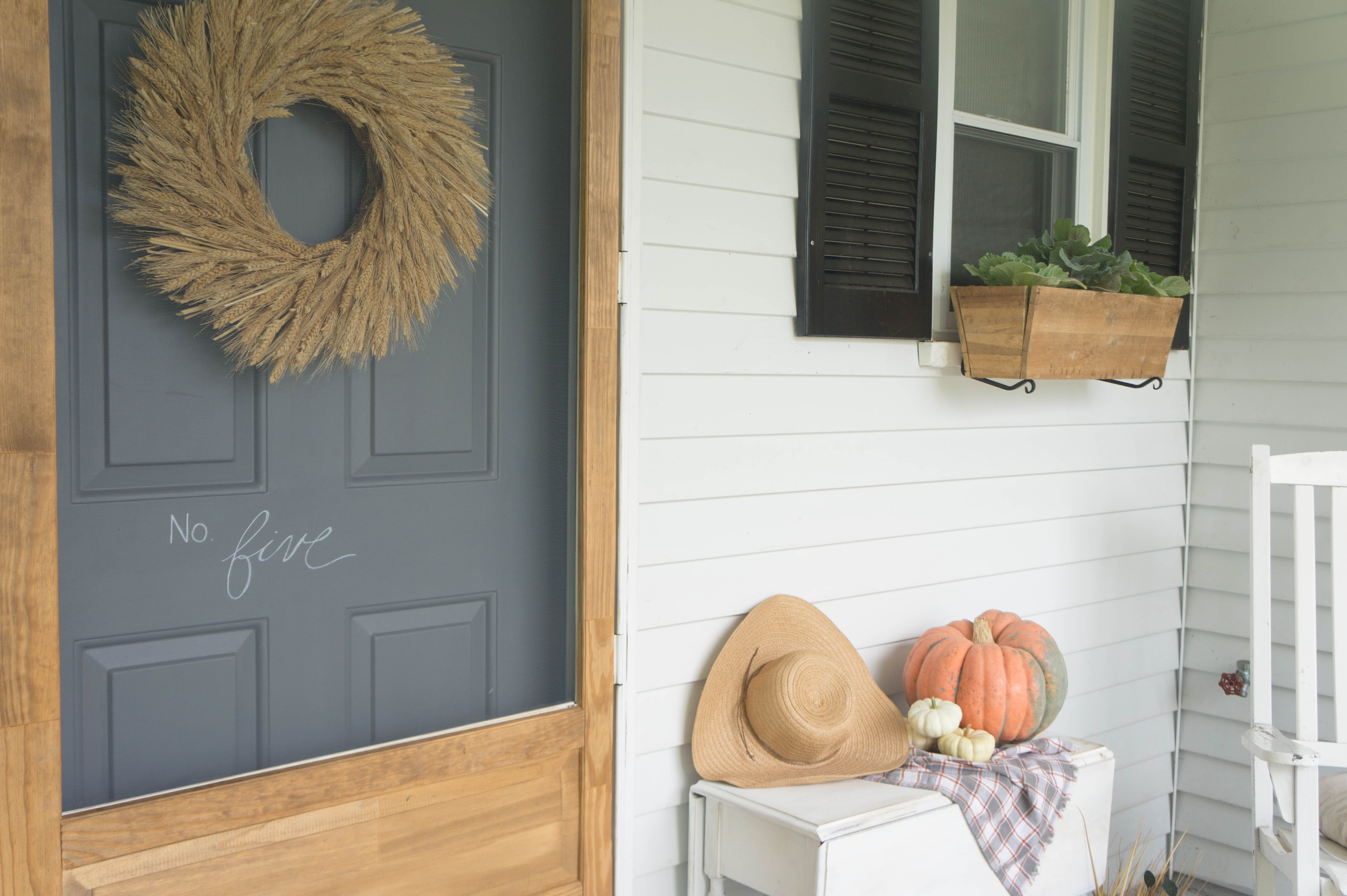 farmhouse-fall-front-porch-3