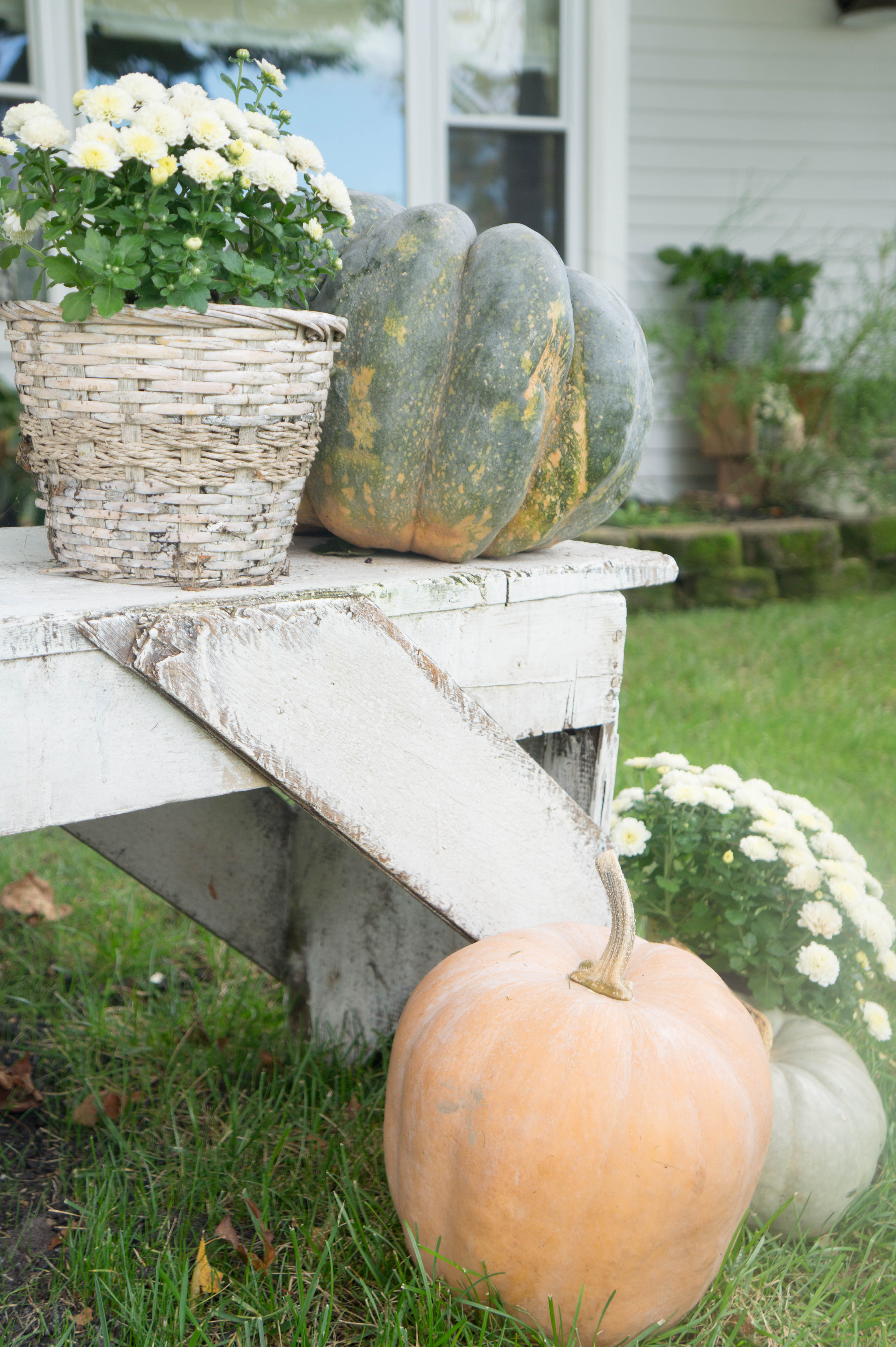 farmhouse-fall-front-porch-5