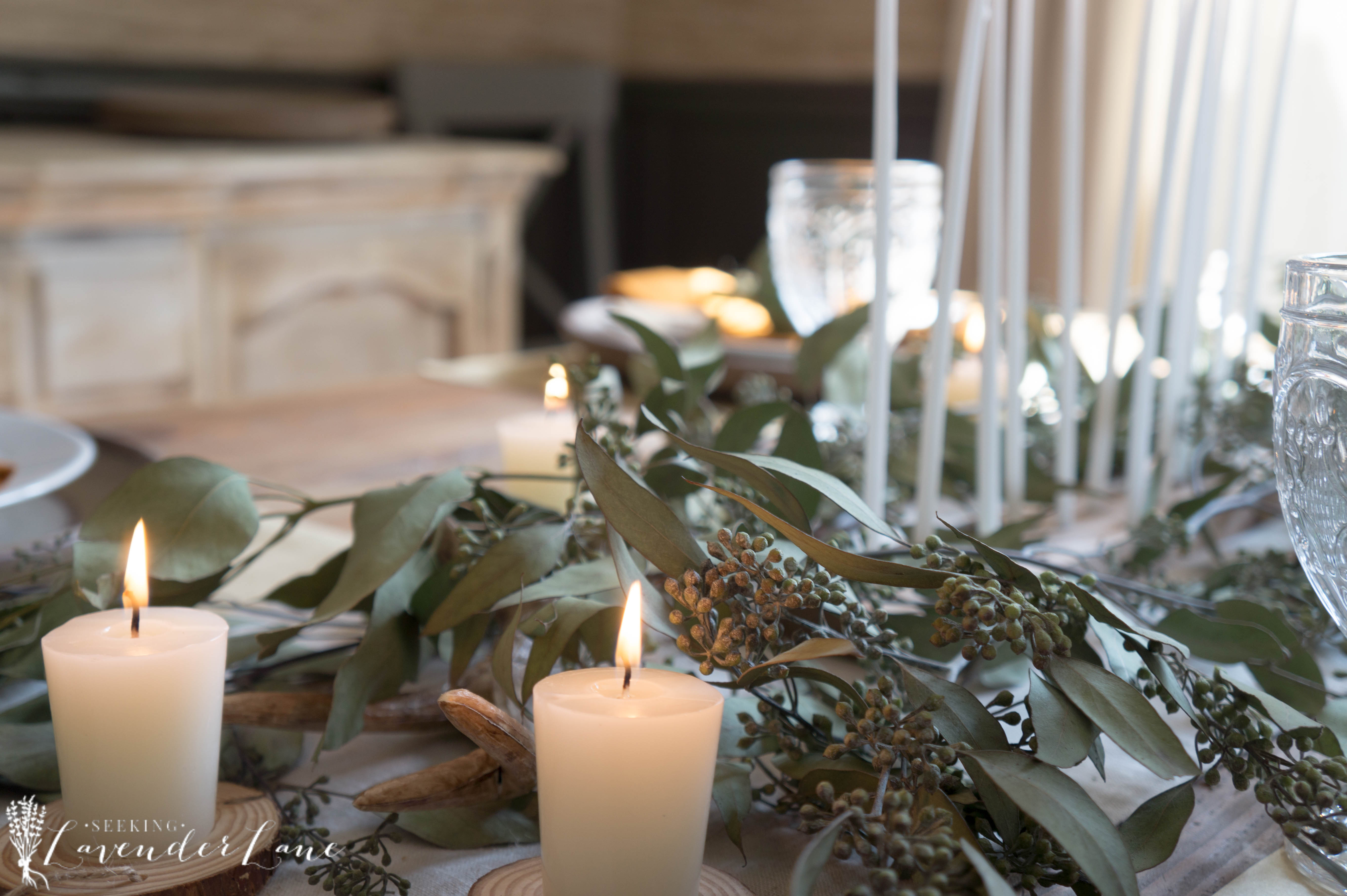 thanksgiving-table-eucalyptus-and-candles-10