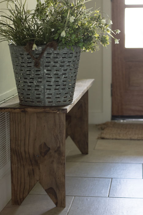 Easy-DIY-Farmhouse-Bench-Tutorial