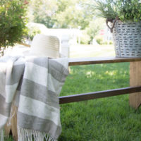 Easy DIY Farmhouse Bench